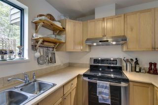 Photo 10: 1025 BROTHERS Place in Squamish: Northyards 1/2 Duplex for sale : MLS®# R2373041