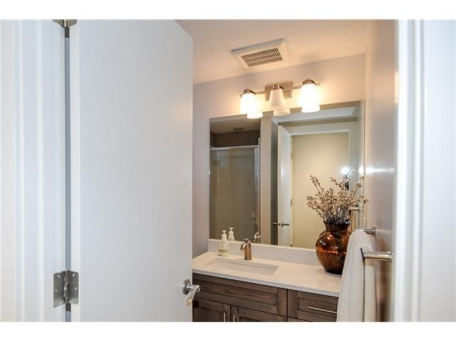 Photo 14: Photos: 1912 GLENWOOD Drive SW in Calgary: Glendale House for sale : MLS®# C4093243