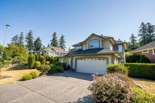 """Photo 3: 2232 140A Street in Surrey: Sunnyside Park Surrey House for sale in """"FOREST EDGE"""" (South Surrey White Rock)  : MLS®# R2602722"""