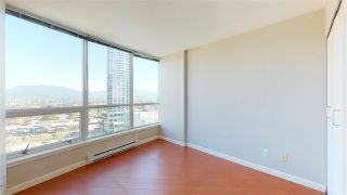 """Photo 15: 1806 6088 WILLINGDON Avenue in Burnaby: Metrotown Condo for sale in """"CRYSTAL RESUDENCE"""" (Burnaby South)  : MLS®# R2363780"""