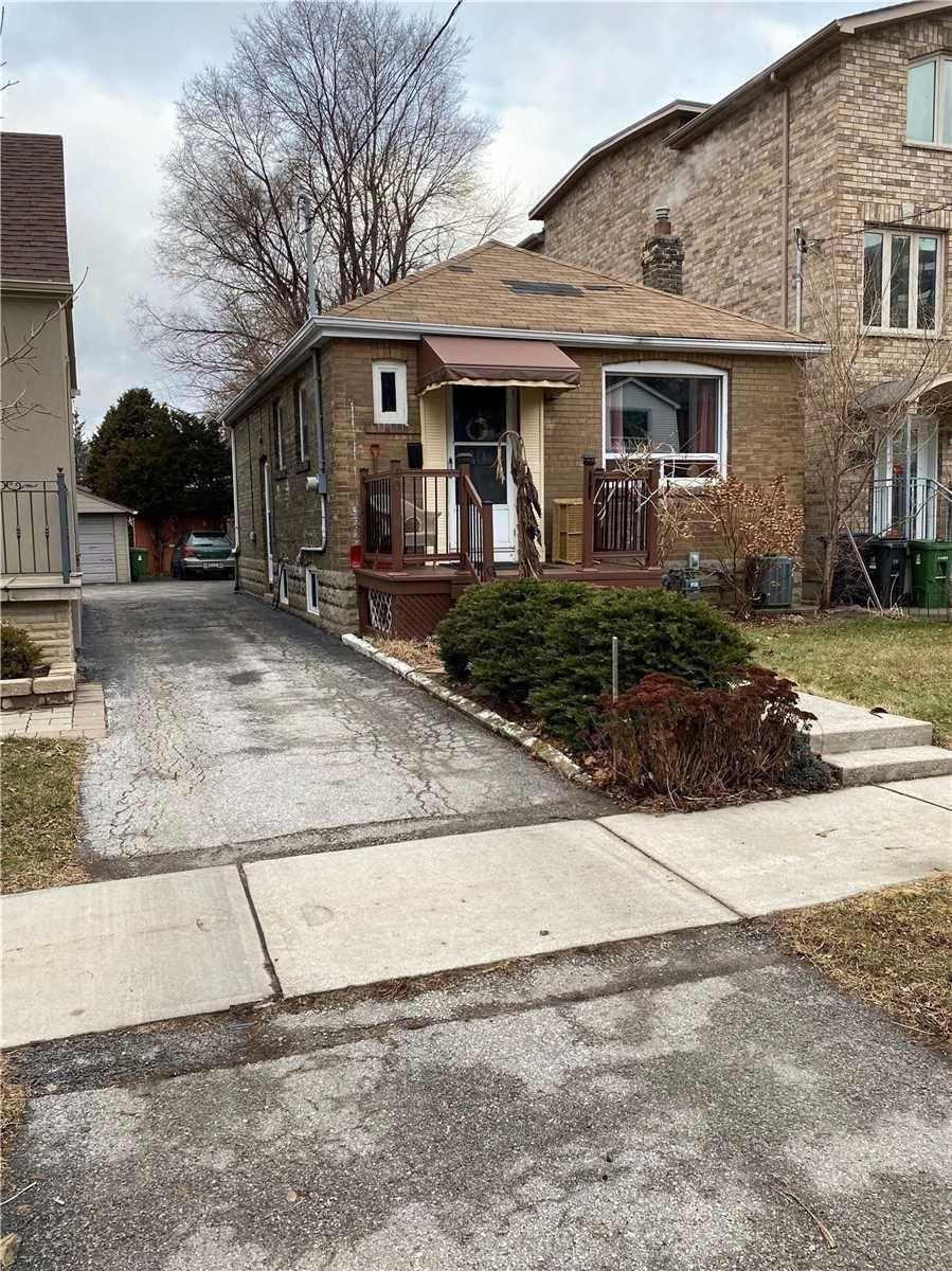 Main Photo: 40 Torrens Avenue in Toronto: Broadview North House (Bungalow) for lease (Toronto E03)  : MLS®# E4691965