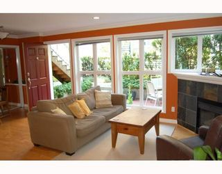 """Photo 2: 2889 YUKON Street in Vancouver: Mount Pleasant VW Townhouse for sale in """"CITY HALL"""" (Vancouver West)  : MLS®# V779981"""