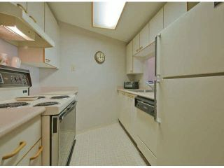 """Photo 6: 711 15111 RUSSELL Avenue: White Rock Condo for sale in """"Pacific Terrace"""" (South Surrey White Rock)  : MLS®# F1425012"""