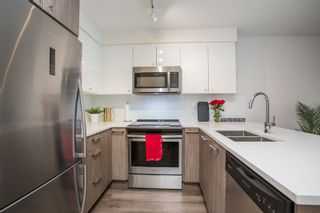 """Photo 6: 204 2525 CLARKE Street in Port Moody: Port Moody Centre Condo for sale in """"THE STRAND"""" : MLS®# R2545732"""