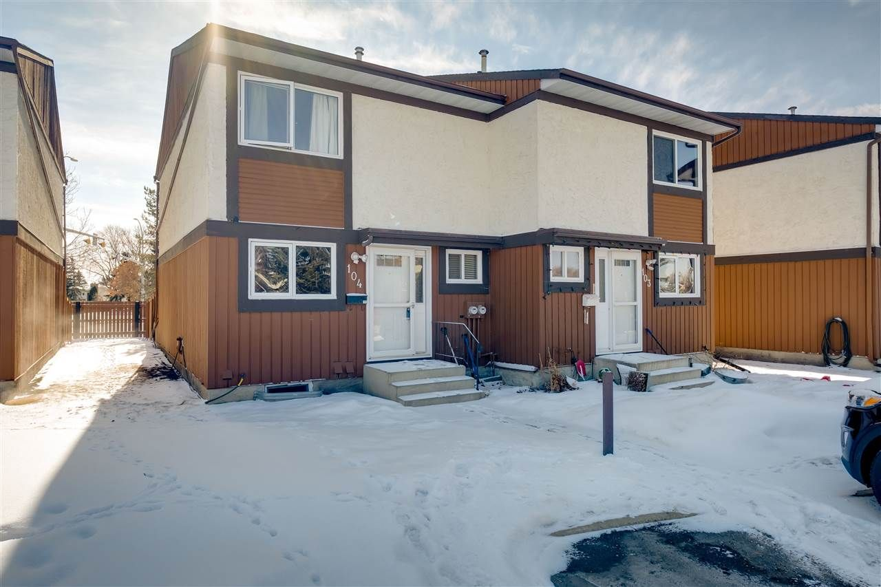 Main Photo: 104 16725 106 Street in Edmonton: Zone 27 Townhouse for sale : MLS®# E4232156