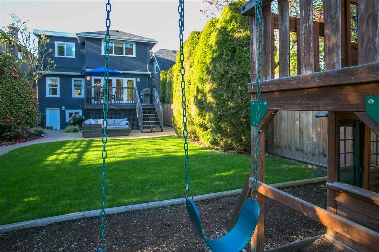 Photo 3: Photos: 68 W 23RD Avenue in Vancouver: Cambie House for sale (Vancouver West)  : MLS®# R2361113