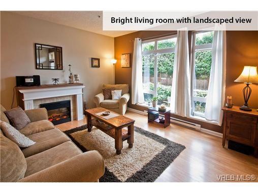 Photo 4: Photos: 104 2747 Jacklin Rd in VICTORIA: La Langford Proper Condo for sale (Langford)  : MLS®# 662008