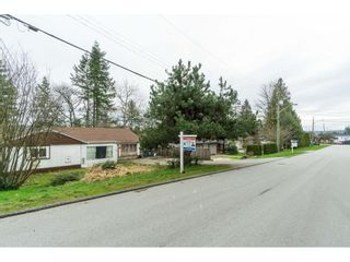 """Photo 18: 5858 172A Street in Surrey: Cloverdale BC House for sale in """"Cloverdale"""" (Cloverdale)  : MLS®# R2432052"""