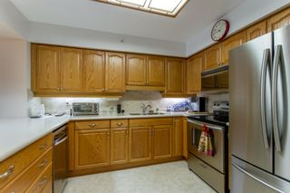 "Photo 5: 405 2963 BURLINGTON Drive in Coquitlam: North Coquitlam Condo for sale in ""BURLINGTON ESTATES"" : MLS®# R2393460"