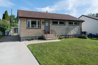 Photo 1: 28 Blue Heron Crescent in Winnipeg: East Transcona Residential for sale (3M)  : MLS®# 202017353