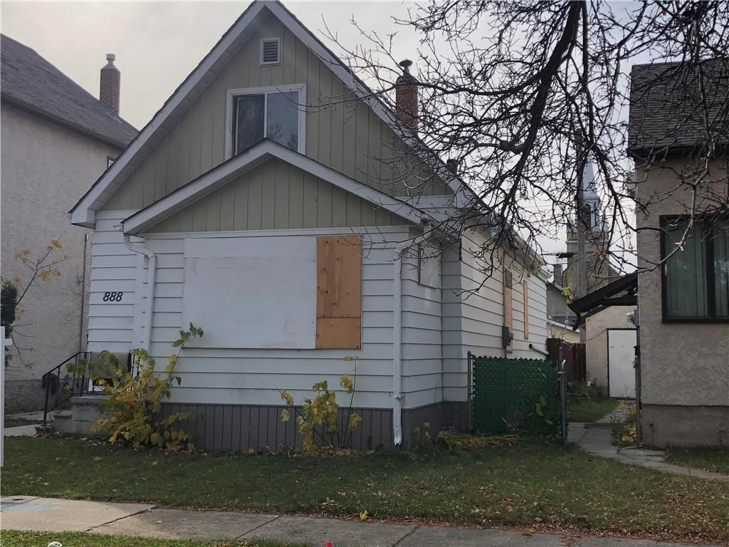 Main Photo: 888 Alfred Avenue in Winnipeg: North End Residential for sale (4A)  : MLS®# 202026136