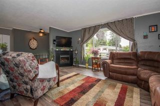 Photo 3: 1083 CEDAR Street in Smithers: Smithers - Town House for sale (Smithers And Area (Zone 54))  : MLS®# R2588282