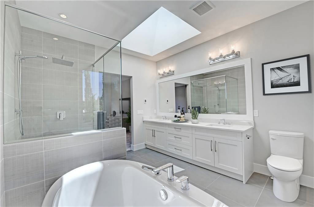 Photo 25: Photos: 24 LORNE Place SW in Calgary: North Glenmore Park Detached for sale : MLS®# C4225479