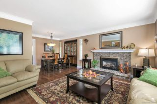 """Photo 8: 12379 SOUTHPARK Crescent in Surrey: Panorama Ridge House for sale in """"Boundary Park"""" : MLS®# R2306272"""