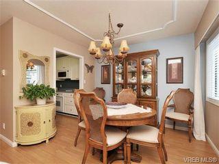 Photo 9: 305 1157 Fairfield Rd in VICTORIA: Vi Fairfield West Condo for sale (Victoria)  : MLS®# 684226