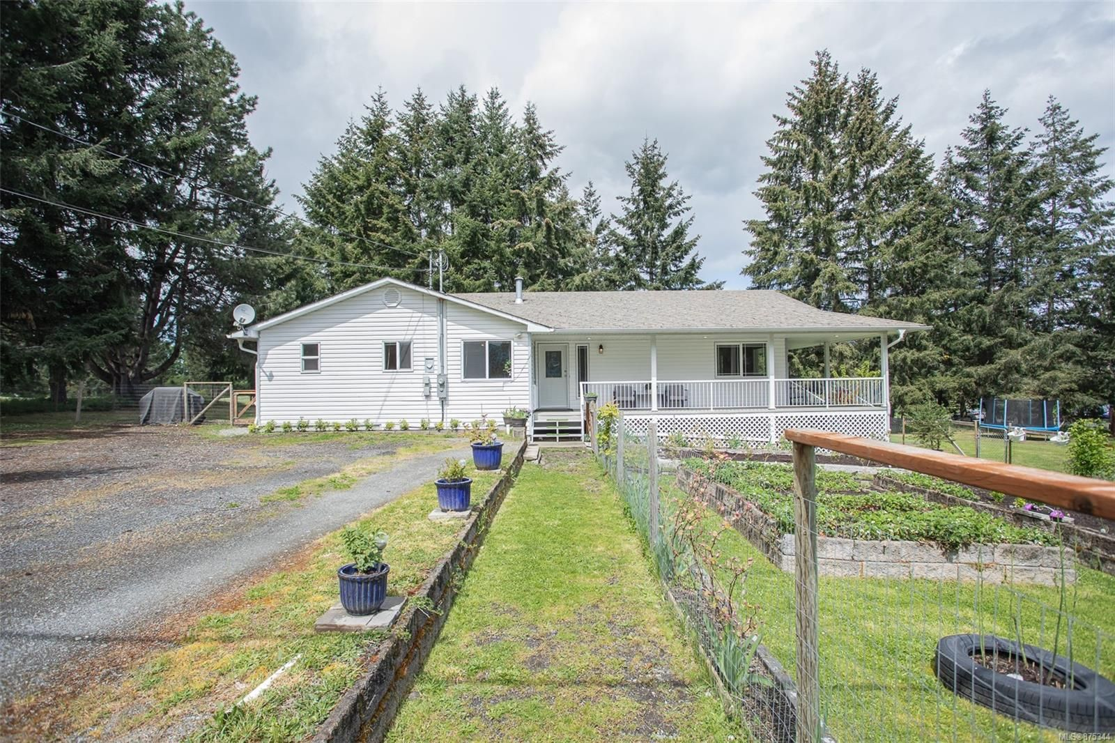 Main Photo: 2218 W Gould Rd in : Na Cedar House for sale (Nanaimo)  : MLS®# 875344