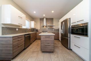 Photo 2: 6044 Maynard Way in Edmonton: Zone 14 House for sale : MLS®# E4262894