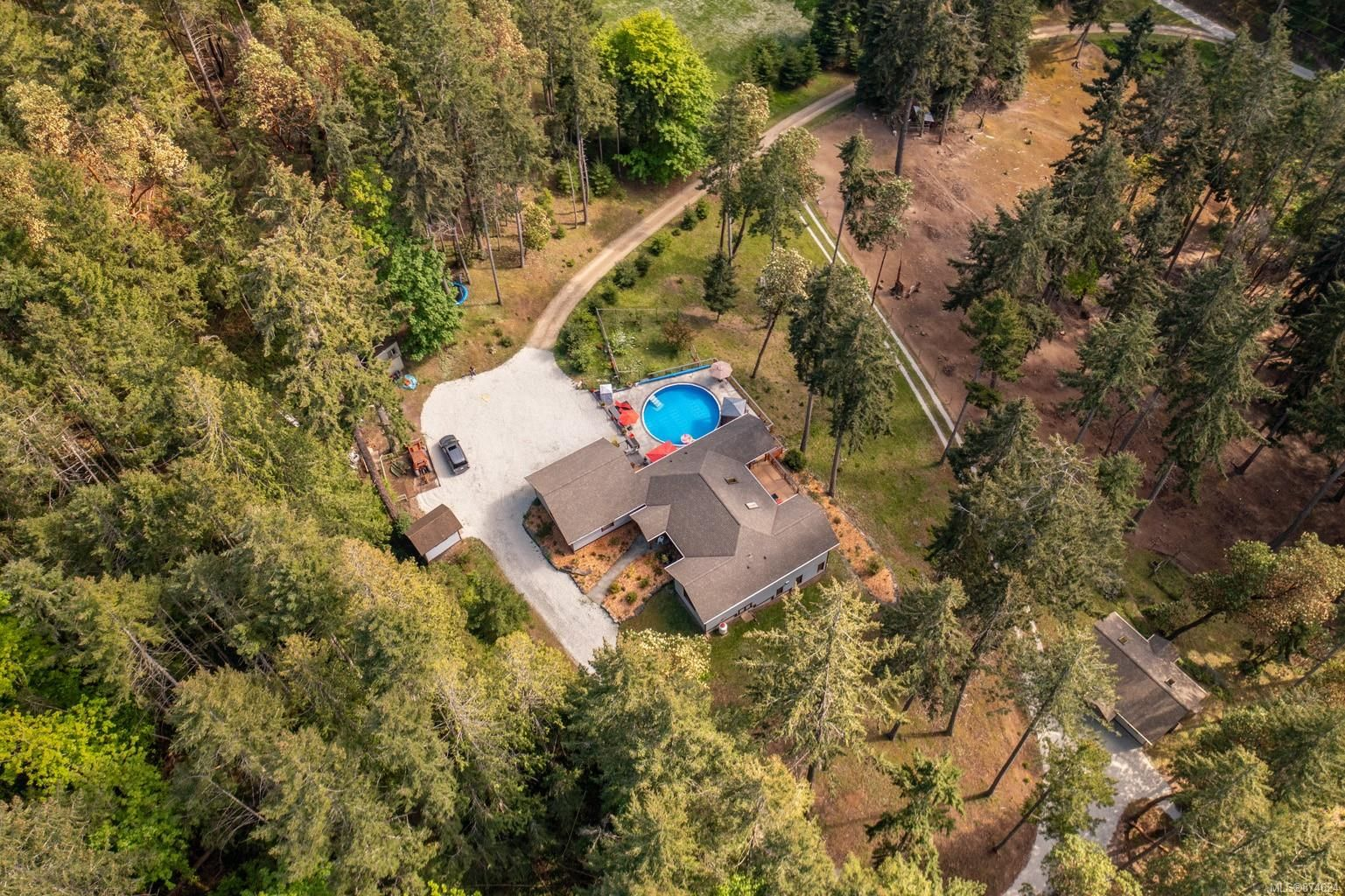 Main Photo: 1041 Sunset Dr in : GI Salt Spring House for sale (Gulf Islands)  : MLS®# 874624