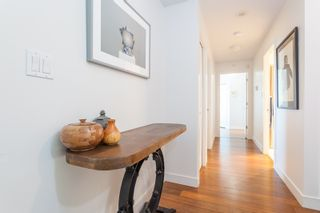 """Photo 18: 801 1088 QUEBEC Street in Vancouver: Mount Pleasant VE Condo for sale in """"The Viceroy"""" (Vancouver East)  : MLS®# R2206969"""
