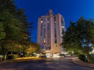 """Photo 1: 2200 8 LAGUNA Court in New Westminster: Quay Condo for sale in """"THE EXCELSIOR"""" : MLS®# R2617330"""