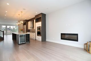 Photo 9: 2003 28 Avenue SW in Calgary: South Calgary Semi Detached for sale : MLS®# A1119479