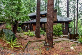 """Photo 3: 5845 237A Street in Langley: Salmon River House for sale in """"Tall Timber Estates"""" : MLS®# R2529743"""
