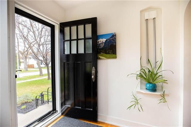 Photo 2: Photos: 497 McNaughton Avenue in Winnipeg: Riverview Residential for sale (1A)  : MLS®# 1911130