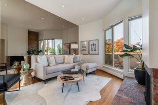 """Photo 3: 1718 MACDONALD Street in Vancouver: Kitsilano Townhouse for sale in """"Cherry West"""" (Vancouver West)  : MLS®# R2602789"""