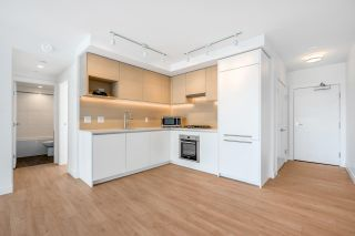 """Photo 3: 2302 652 WHITING Way in Coquitlam: Coquitlam West Condo for sale in """"Marquee"""" : MLS®# R2591895"""