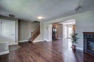 Photo 10: 2419 53 Avenue SW in Calgary: North Glenmore Park Semi Detached for sale : MLS®# C4299769