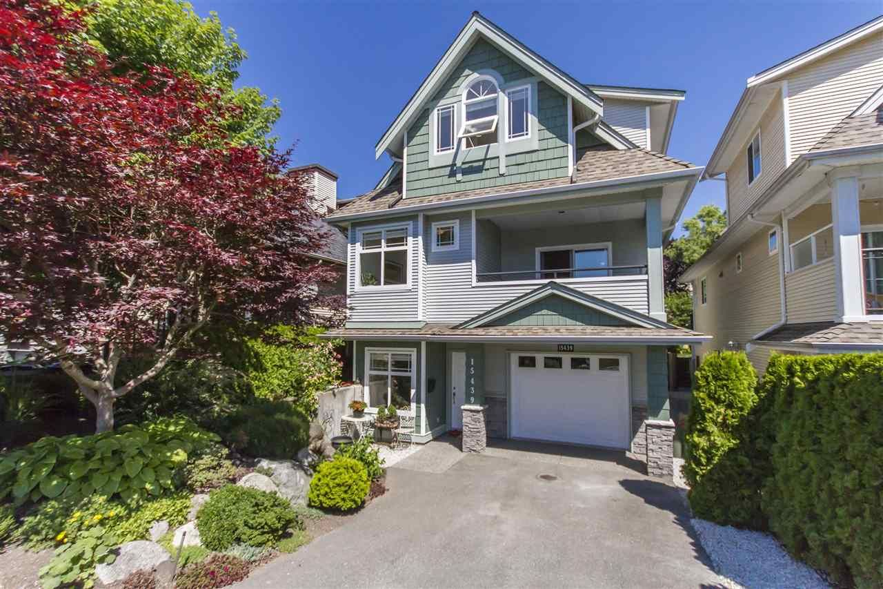 Main Photo: 15439 GOGGS AVENUE: White Rock House for sale (South Surrey White Rock)  : MLS®# R2304662
