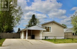 Photo 2: 102 Thompson Place in Hinton: House for sale : MLS®# A1047125