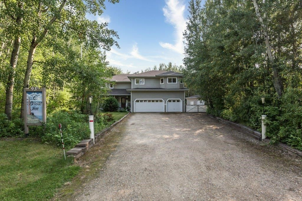 Main Photo: 93 Crystal Springs Drive: Rural Wetaskiwin County House for sale : MLS®# E4254144