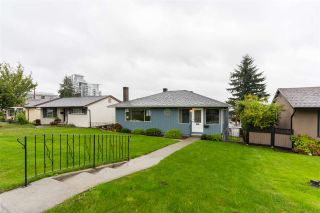 """Photo 2: 114 SAPPER Street in New Westminster: Sapperton House for sale in """"Sapperton"""" : MLS®# R2502964"""