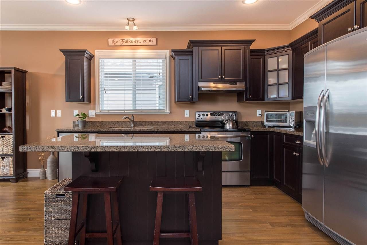 """Photo 15: Photos: 34914 2 Avenue in Abbotsford: Poplar House for sale in """"Huntingdon Village"""" : MLS®# R2548984"""