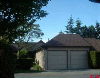 """Photo 1: 1748 LILAC DR in White Rock: King George Corridor Townhouse for sale in """"ALDERWOOD"""" (South Surrey White Rock)  : MLS®# F2510424"""