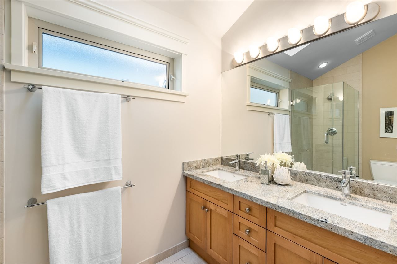 Photo 16: Photos: 1522 GRAVELEY STREET in Vancouver: Grandview Woodland Townhouse for sale (Vancouver East)  : MLS®# R2407954