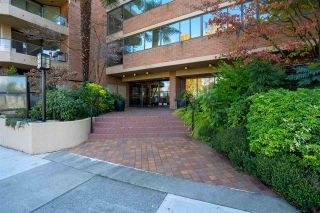 Photo 3: 904 1450 PENNYFARTHING Drive in Vancouver: False Creek Condo for sale (Vancouver West)  : MLS®# R2557710