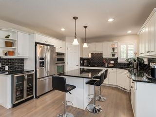 Photo 9: 123 SIGNATURE Terrace SW in Calgary: Signal Hill Detached for sale : MLS®# C4303183