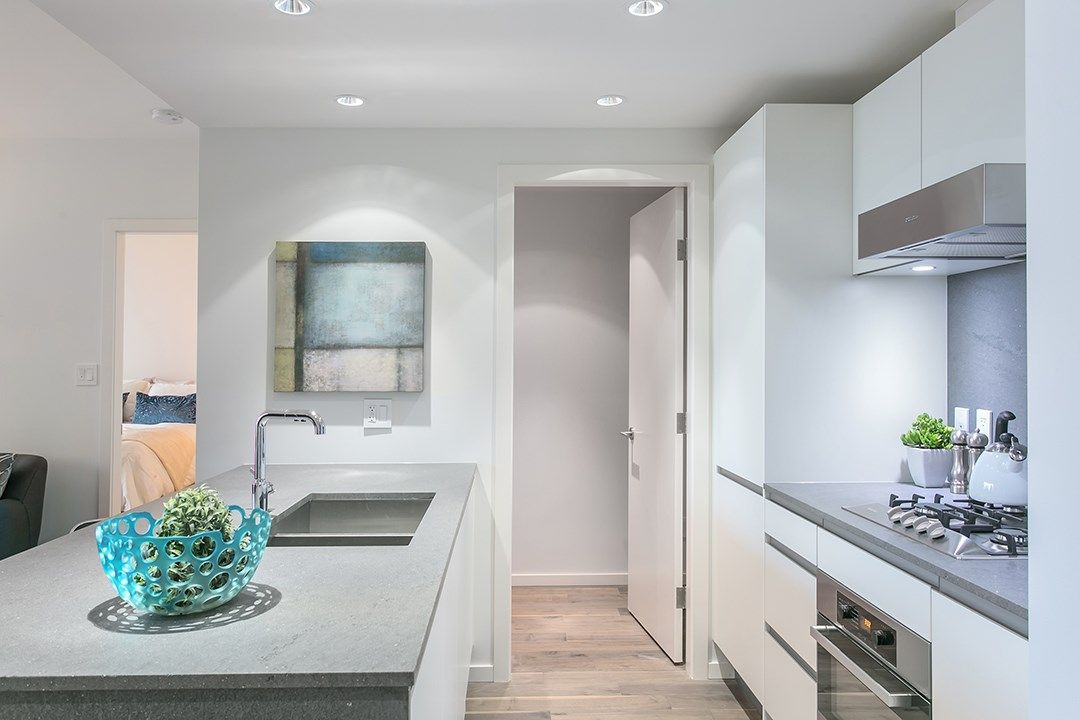 """Photo 3: Photos: 1106 8588 CORNISH Street in Vancouver: S.W. Marine Condo for sale in """"Granville at 70th"""" (Vancouver West)  : MLS®# R2028508"""