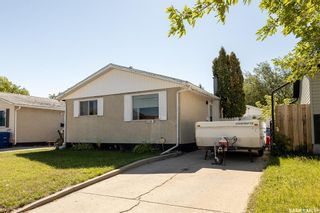 Photo 1: 3343 33rd Street West in Saskatoon: Confederation Park Residential for sale : MLS®# SK870791