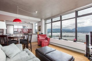 """Photo 13: 2001 108 W CORDOVA Street in Vancouver: Downtown VW Condo for sale in """"Woodwards W32"""" (Vancouver West)  : MLS®# R2465533"""