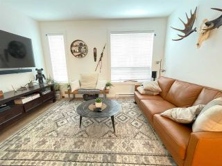 """Photo 3: 38 39769 GOVERNMENT Road in Squamish: Northyards Townhouse for sale in """"Breeze"""" : MLS®# R2546853"""