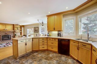 Photo 13: 84 Strathdale Close SW in Calgary: Strathcona Park Detached for sale : MLS®# A1046971