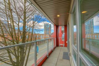 "Photo 8: 304 379 E BROADWAY Street in Vancouver: Mount Pleasant VE Condo for sale in ""Synchro"" (Vancouver East)  : MLS®# R2565005"
