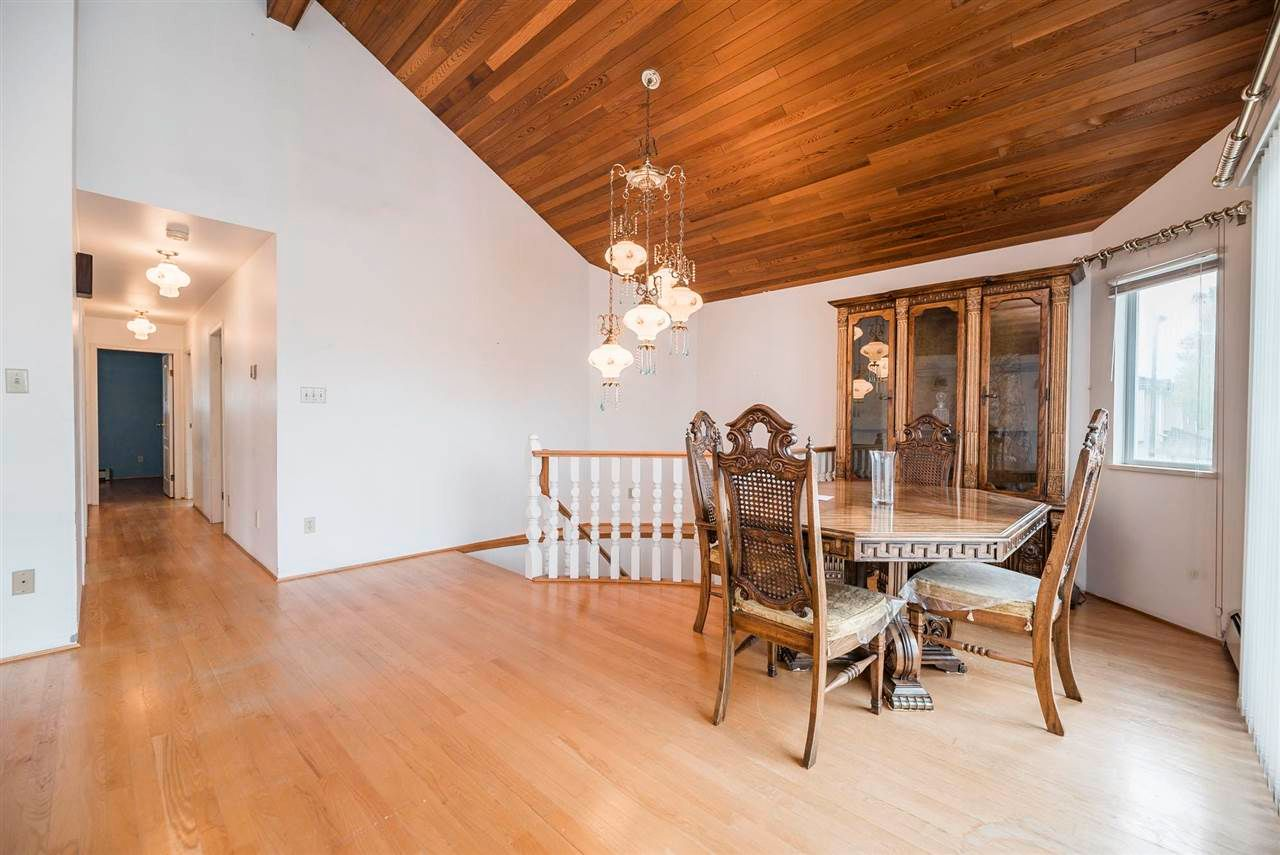 Photo 7: Photos: 5984 E VICTORIA Drive in Vancouver: Killarney VE House for sale (Vancouver East)  : MLS®# R2571656