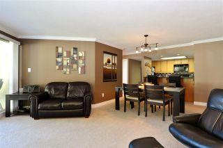 Photo 5: 202 15015 VICTORIA AVENUE: White Rock Condo for sale (South Surrey White Rock)  : MLS®# R2439513