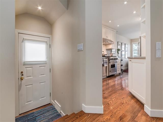 Photo 3: Photos: 309 16 Street NW in Calgary: Hillhurst House for sale : MLS®# C4005350