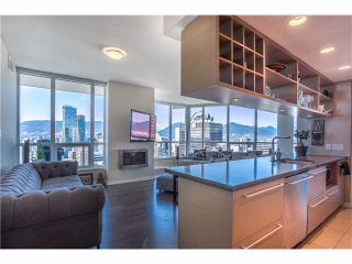 """Photo 1: 3805 833 SEYMOUR Street in Vancouver: Downtown VW Condo for sale in """"CAPITOL RESIDENCES"""" (Vancouver West)  : MLS®# V1122249"""