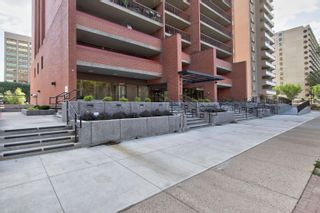 Photo 3: 802 9917 110 Street NW in Edmonton: Zone 12 Condo for sale : MLS®# E4258804